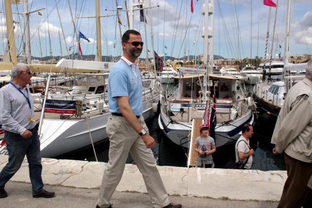 Relaxter Besucher der Boat Show: Kronprinz Felipe in Palma.
