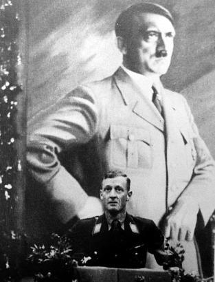 Nazizeit an der Deutschen Schule Barcelona: Ortsgruppenleiter Bartoleit hält eine Ansprache.