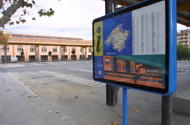 Die Stellfläche des ehemaligen Busbahnhofs in Palma soll künftig Verkaufsstände beherbergen.