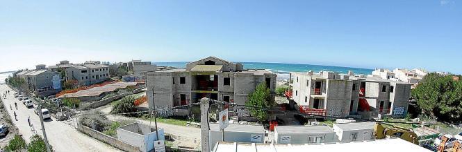 Vorher: 13 Bauruinen verschandelten den Strand von Ses Covetes.