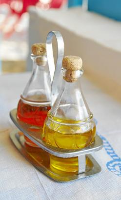 Das klassische Glaskännchen könnte als Ölgefäß bald ausgedient haben.