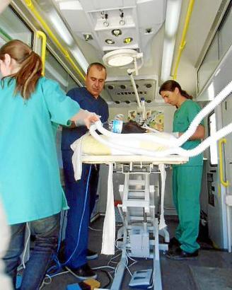 Auch wenn Tierärzte kein oder wenig Honorar nehmen: Die Materialkosten für die Eingriffe im Sterilisationsmobil kommen hinzu.