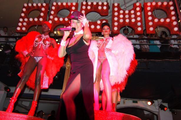 Tanzshow im Pacha Ibiza (Foto Archiv).