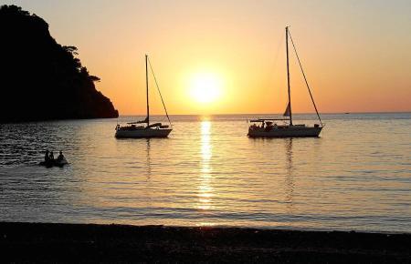 Vor Mallorcas Küste ist das Ankern auf Posidonia-Wiesen verboten. Hier zu sehen: Cala Tuent in Escorca.