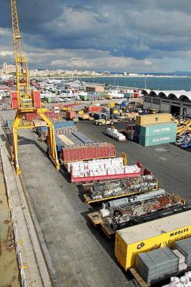 Diese Container müssten nach Porto Pí umziehen, geht es nach den Plänen der Stadt Palma.