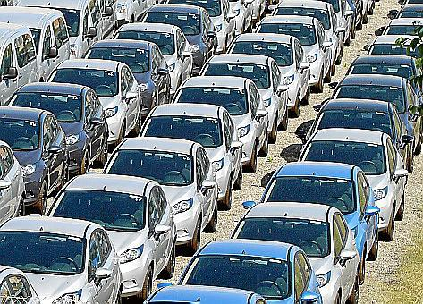 """Mit dem Aus für die """"grünen Abgaben"""" wird es für Urlauber auch keine Steuer auf Mietwagen geben."""