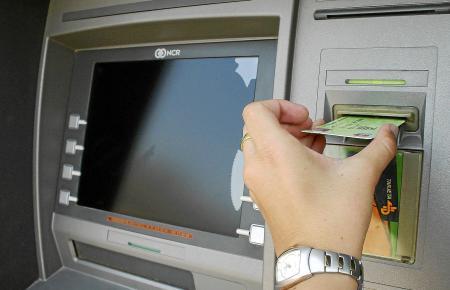 Auch innerhalb eines Verbundnetzes wie Servired werden noch Gebühren kassiert.