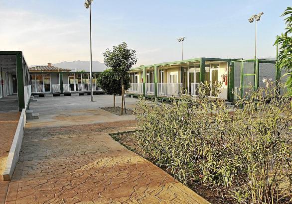 Neu und abgenommen: Ab Anfang November sollen hier die Kinder der Ecolea-Schule einziehen.