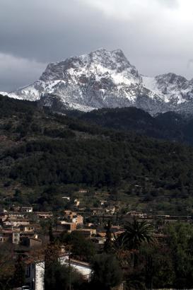 Möglicherweise werden sich die Gipfel der Serra de Tramuntana an diesem Wochenende wieder geweißt zeigen; so wie auf dem Archivb