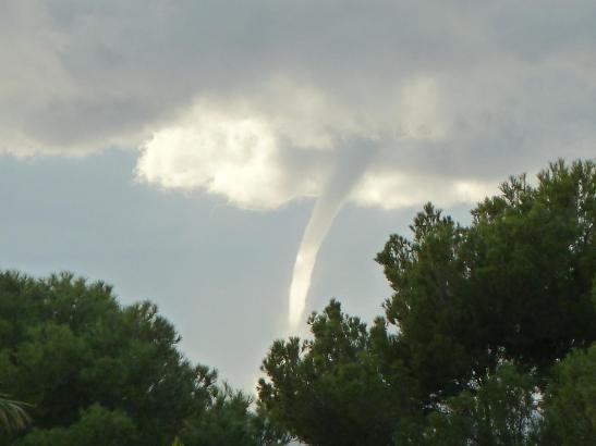 Tornado über dem Meer, zwischen Mallorca und Ibiza, gesichtet am vergangenen Samstag.