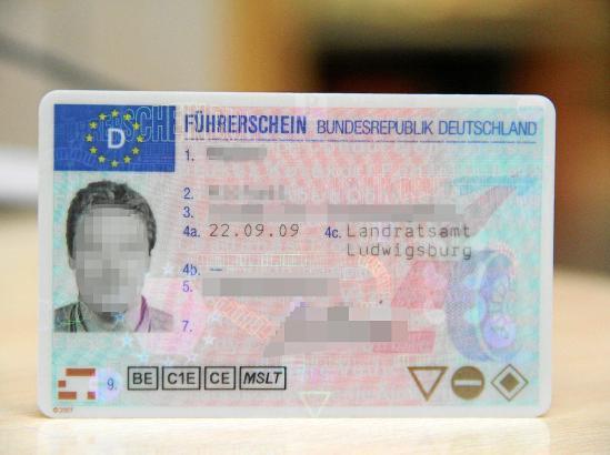 Dieses Dokument wurde im Jahr 2009 in einen EU-Führerschein umgetauscht und gilt in Deutschland daher ohne zeitliche Einschränku