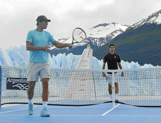 Tennis spielend am Gletscher vorbeifahren - das war für Rafael Nadal und Novak Djokovic ein Erlebnis.
