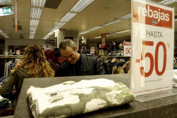 Winterschlussverkauf in einem Kaufhaus in Palma.