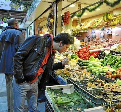 Noch ist Pilzsaison auf Mallorca. Auf Palmas Märkten gibt es eine schier unendliche Vielfalt an Produkten.