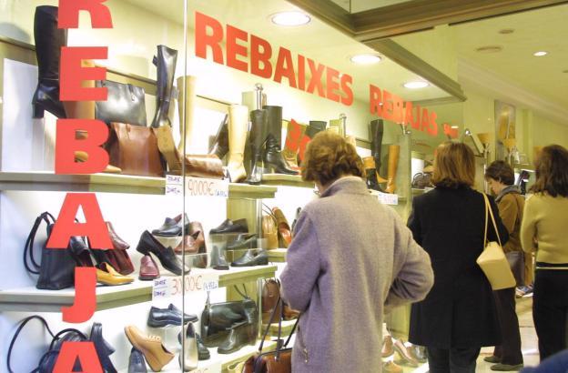 Gucken ja, kaufen weniger: Der Handel in Palma ist mit den Rebajas nicht wirklich zufrieden.