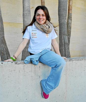 Lebensfroh und energisch: Skifahrerin Úrsula Pueyo beim Interview.