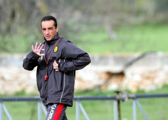 Tage schon gezählt? Mallorcas Trainer José Luis Oltra beim Training.