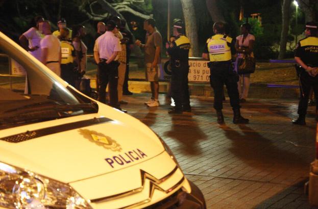 Polizeiaktion an der Playa de Palma gegen schwarzafrikanische Prostituierte (Archivfoto).