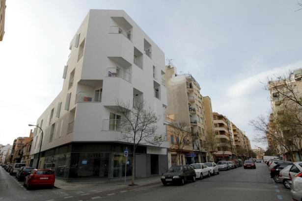 """Ausgezeichnet mit dem Architekturpreis """"Guillem Sagrera"""" in Palma: Mehrfamilienhaus im Carrer Capità Vila."""