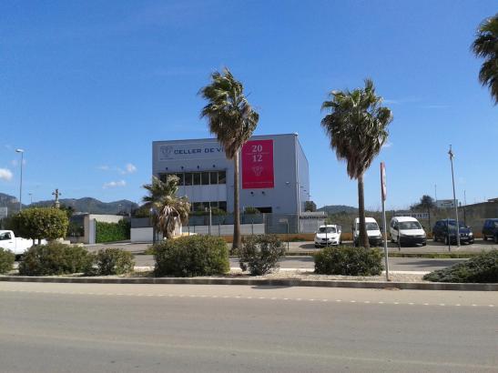 Die Weinkellerei der Finca Es Fangar im Gewerbegebiet von Felanitx.