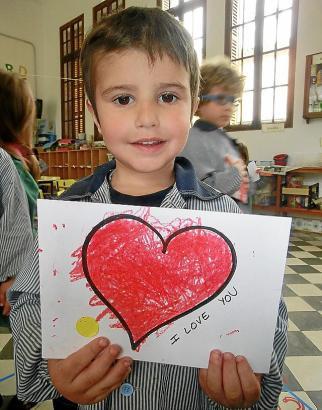 Beliebtes Fach: Malkurse in Schulen und Kindergärten.
