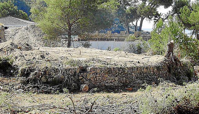 Reste eines alten Dreschplatzes in Camp de Mar.