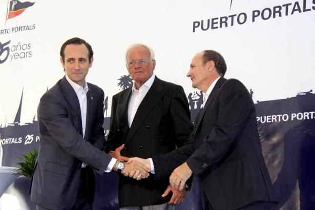 Klaus Graf (m.) bei der 25-Jahr-Feier des Yachthafens von Puerto Portals.