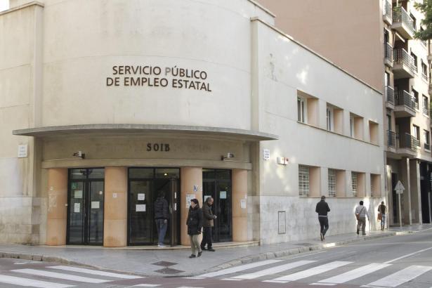 Auf den Balearen müssen immer weniger Menschen zum Arbeitsamt.