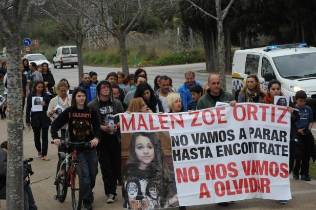 Am 2. April, vier Monate nach dem Verschwinden von Malén Ortiz, veranstalteten Angehörige und Freunde erneut eine Kundgebung, um