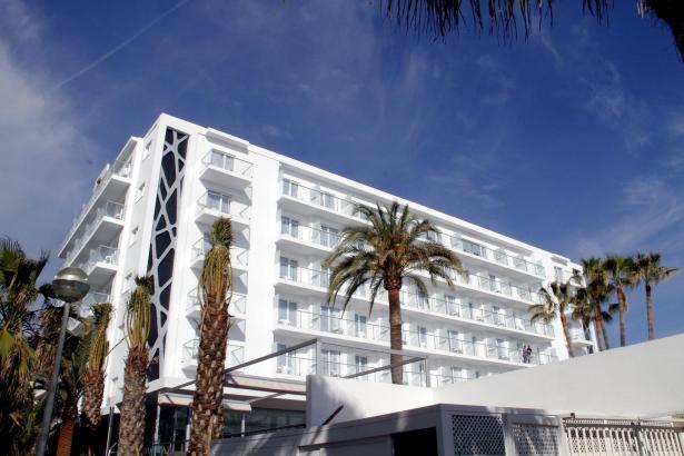 Der Klassiker im neuen Look: Das Riu San Francisco an der Playa de Palma, Höhe Strandkiosk Balneario 6.