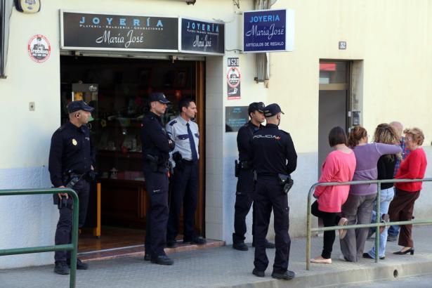 Die Polizei am Ort des Geschehens in Es Coll d'en Rabassa.