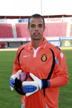 Verhinderte gegen Alavés Schlimmeres: Real-Keeper Rubén Miño.