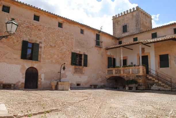 Das Landgut Son Seguí bei Santa Maria.