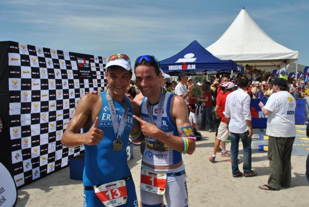 Sieger Andreas Dreitz und der Drittplatzierte Andreas Raelert.