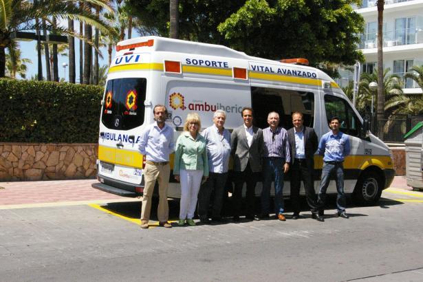 Tourismusdezernent Álvaro Gijón (m.) mit den Initiatoren des Projekts.