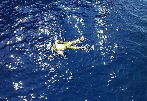 So trieb der Leichnam im Meer vor sa Calobra.