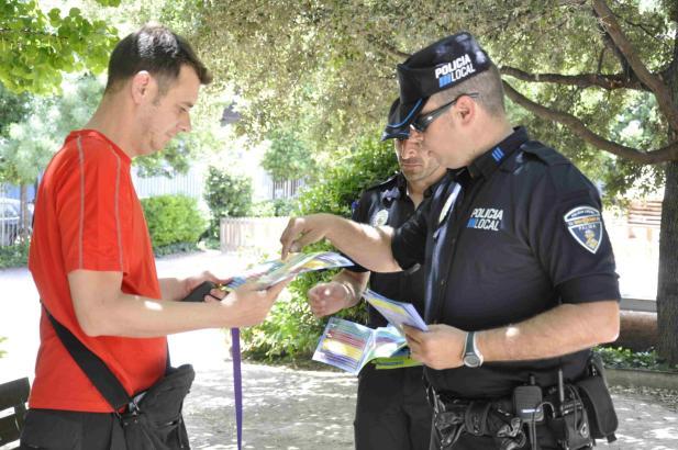 Seit Montag werden in Palma Info-Blätter verteilt.