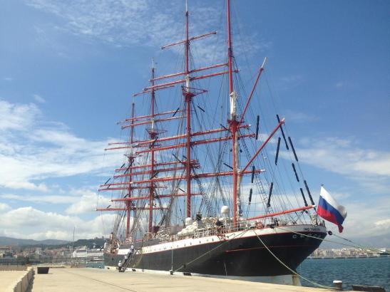 """Die """"Sedov"""" im Hafen von Palma."""