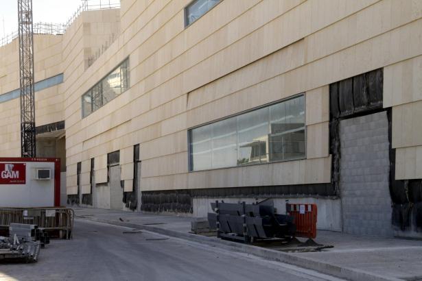 Die Kongresspalast-Baustelle in Palma de Mallorca an der Flughafenautobahn.