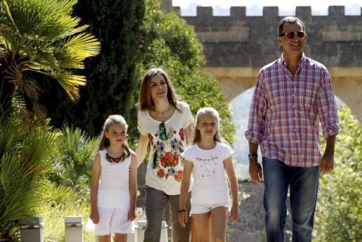 Die Königsfamilie am Montag auf dem Landgut Raixa bei Bunyola.