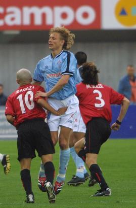 Als Spieler war Karpin (Mitte) schon einige Male mit Celta de Vigo im Iberostar Estadio.