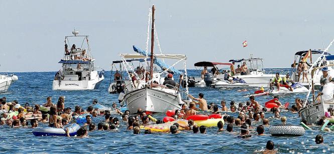Das Entenwerfen in Can Picafort ist der Höhepunkt der jährlichen Fiesta.