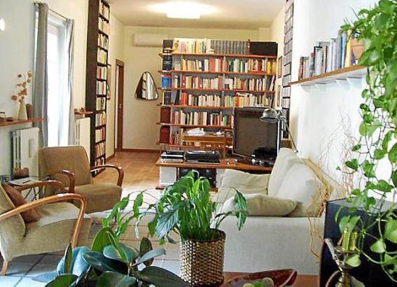 tausche wohnung auf zeit. Black Bedroom Furniture Sets. Home Design Ideas