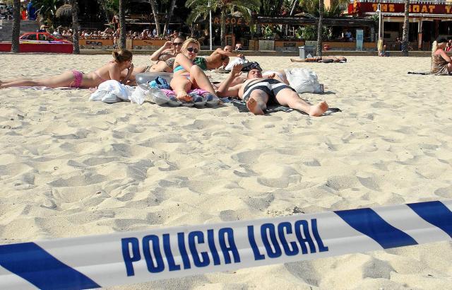 Immer wieder mal müssen auf Mallorca einzelne Strände wegen Verunreinigung des Wassers gesperrt werden.