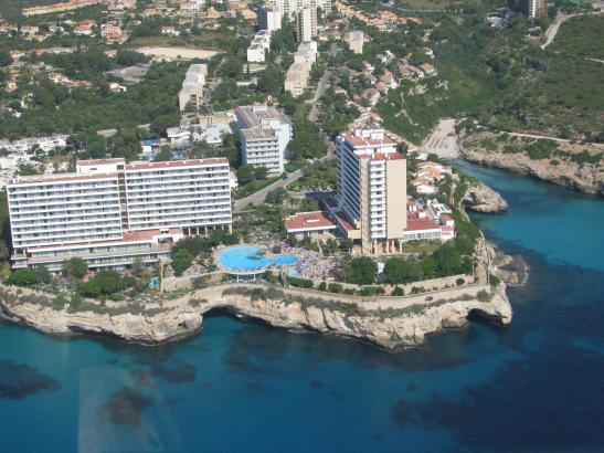 Calas de Mallorca an der Ostküste von Mallorca gilt als eine der All-inclusive-Hochburgen der Insel.
