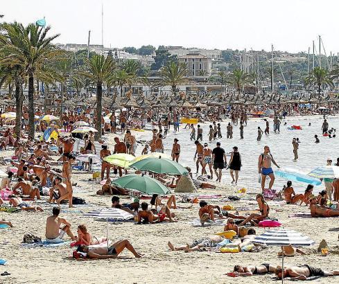 Ein Bereich der Playa de Palma mitten im Hochsommer.