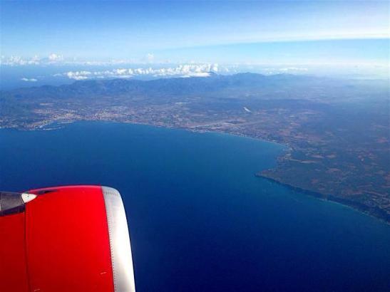 Die Bucht von Mallorca, gesehen aus einem Air-Berlin-Flieger.