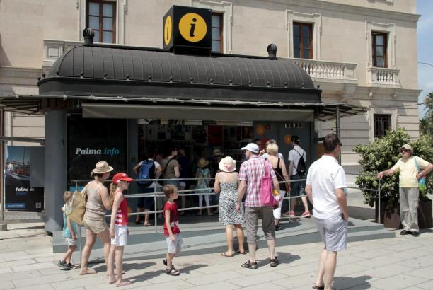 """Der """"Palma-Pass"""" wird in den Touristeninformationsbüros der Stadt erhältlich sein (hier: Parc de la Mar)."""