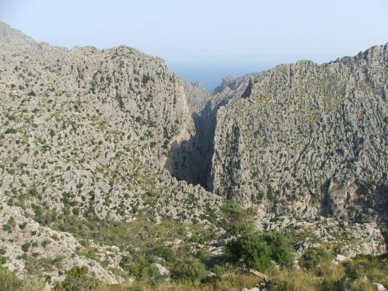 Die Bergschlucht des Torrent de Pareis im Tramuntana-Gebirge auf Mallorca.DE PAREIS.