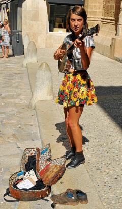 Kia Ochun vor der Iglesia San Nicolás, ihrem Lieblingsplatz in Palma.